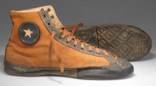 Zapatillas_converse_antiguas_1928_facebook1